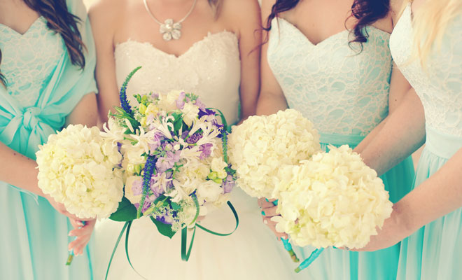 10 Unofficial Wedding Day Tips for the Maid of Honour