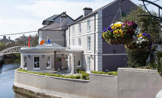 HensAndStags - Rowan Tree Hostel Clare Main 1